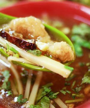 草屯美食小吃台北鱼翅肉羹充满古色古香的怀旧风情